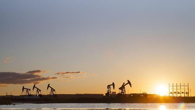 Global Oil Demand To Contract By 9 Mln Barrels Per Day In